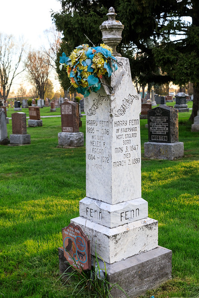 Belleville Cemetery tombstone of Harry Feen of Faversham, Kent, England May 3, 1847 - March 2, 1889, Harry Fenn 1895-1976.