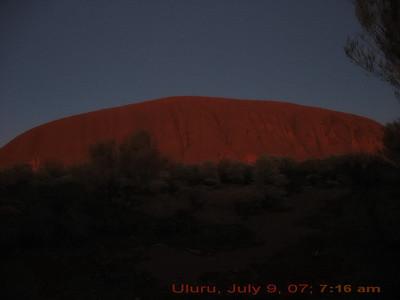 Sunrise over Ulu<u>r</u>u
