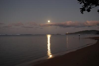 Anini Moonrise, January 8, 2012