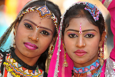 Rajki Sapera and her troupe. They have been performing traditional Rajasthani dances for past 15 years in the mela (fair) and returns every year. Her work has been appreciated by several dignitaries and she has also performed in USA, Moscow and Mexico besides host of other places.  Suraj Kund Mela 2010 is held in Faridabad, Haryana (outskirts of Delhi), North India. The Suraj Kund Mela is an annual fair held near Delhi in February. Visitors get to experience folk dances, handicrafts and taste lots of delicious food.