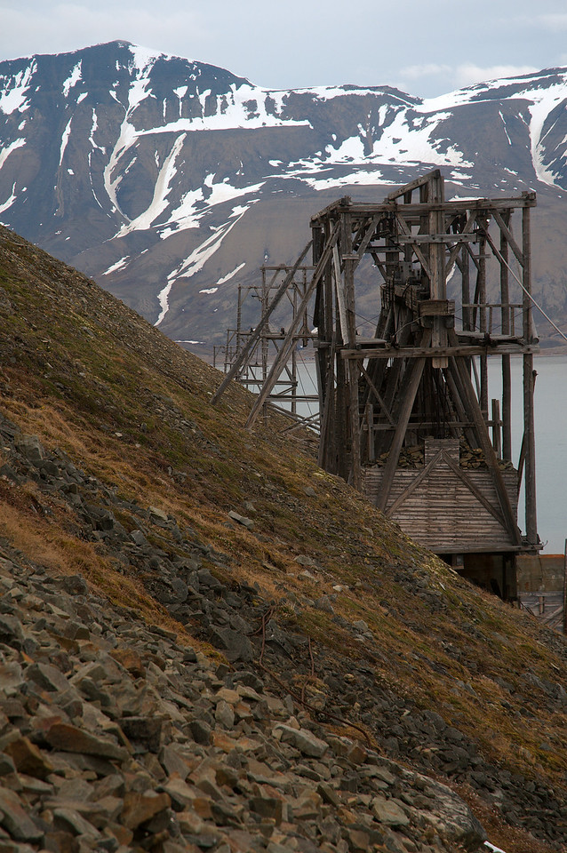 Trestles from the ropeway that was used to transport coal from the mine (1b) to the quay.