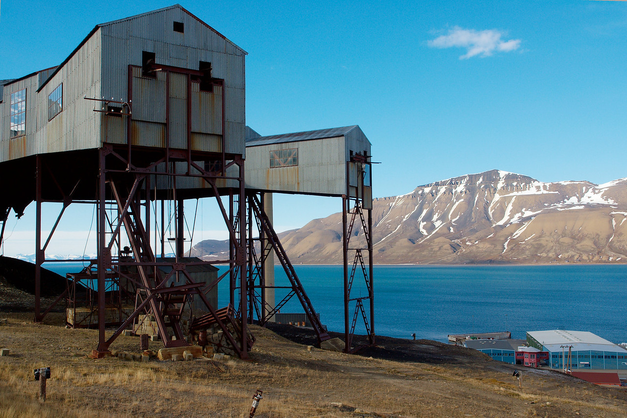 """""""Taubanesentralen"""", where the ropeways from the different mines around Longyearbyen merged into a single ropeway down to the quay."""