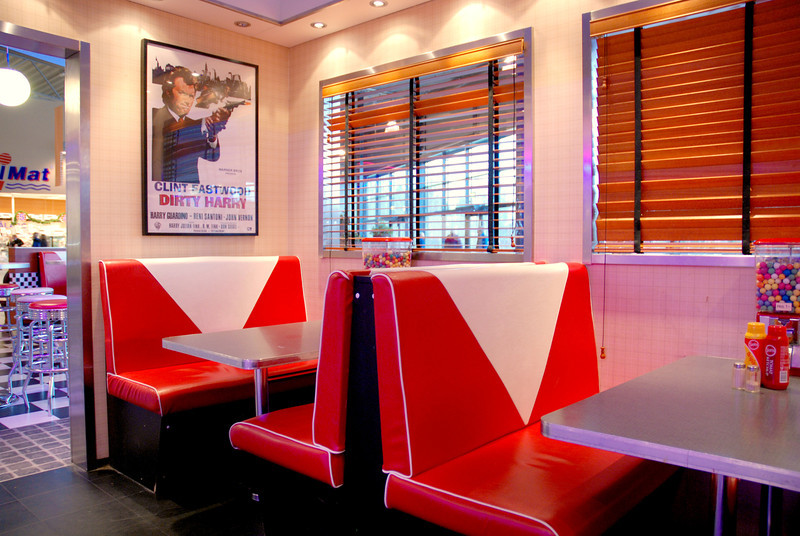 An American style diner in a shopping mall between Oslo and Stockholm