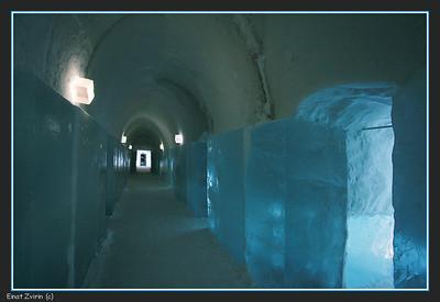 Suites Corridor, Ice Hotel 2011
