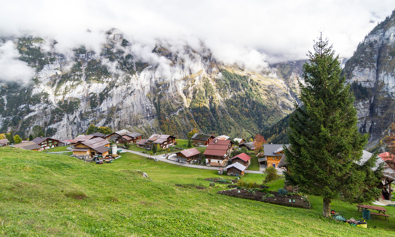 Mürren: A view from above the town of Gimmelwald.