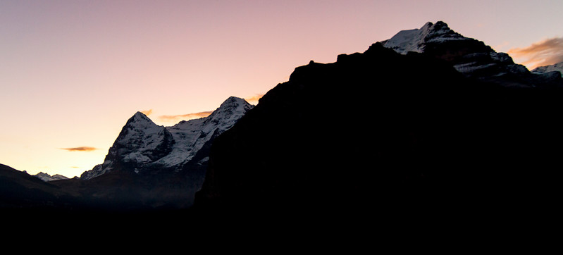 Mürren: Nice sillouette of the mountains on my last morning in town.