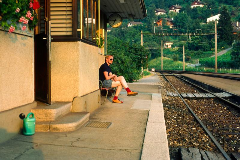 Waiting for the train back to Stein am Rhein.
