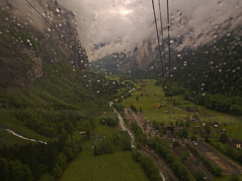 Rainy on the way up to Gimmelwald