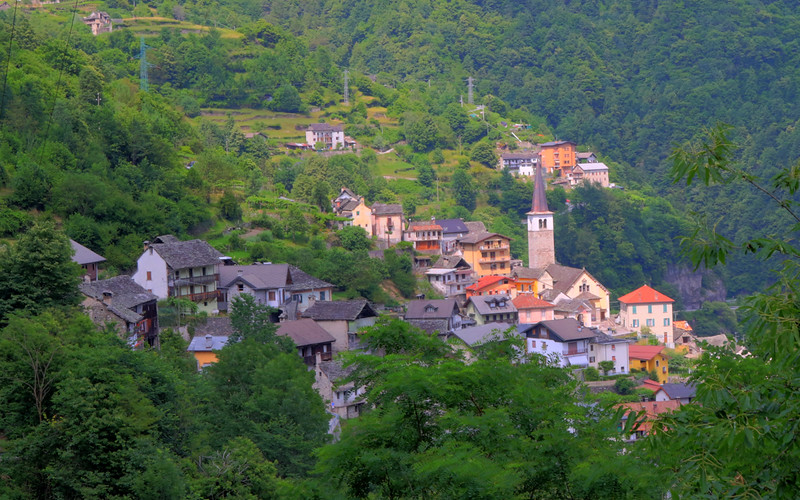 the mountain village of Pecciola, Italy