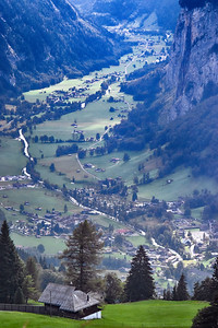 Lauterbrunnen valley, above Wengen