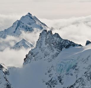 Справа внизу - ледник