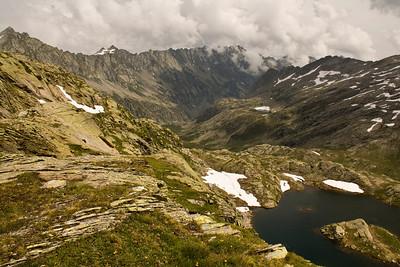 Around Lago di Naret in the Cristallina range
