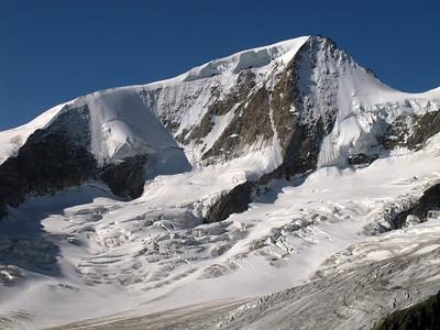 Climbing Finsteraarhorn