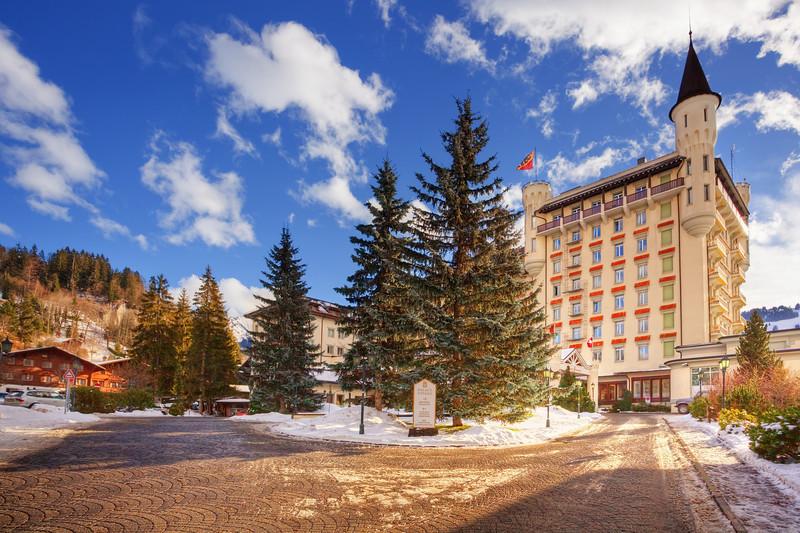 <b>Gstaad Palace #2 (Switzerland)</b> <i>Canon EOS 5D Mark II + Canon EF 17-40mm f/4L USM</i>