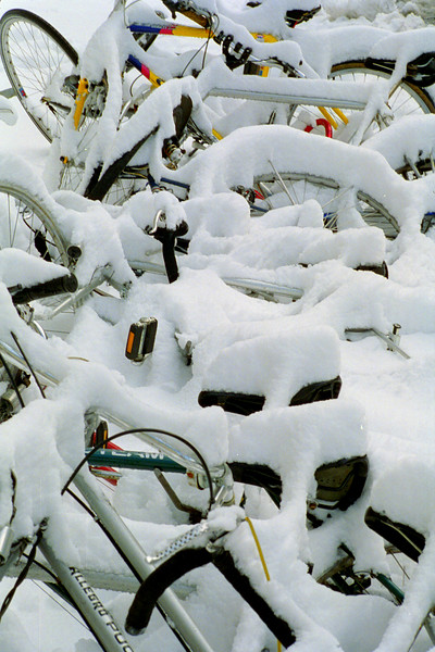 Bikes in snow, Bern, March 2006
