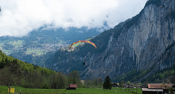 Paragliders touching down at Stechelberg