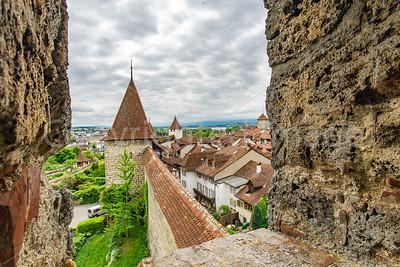 Murten town wall