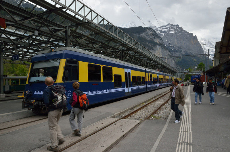 A regional train arrives at Lauterbrunnen Bahn station.