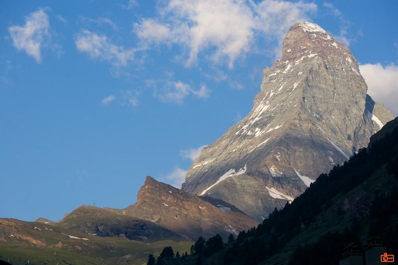 The morning light illuminates the peak of the Matterhorn.<br /> DSC01528