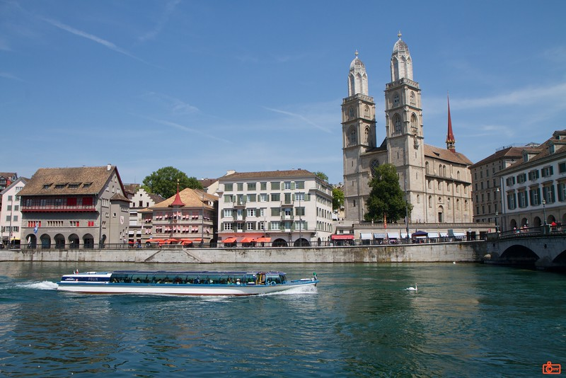 The construction of the Protestant church, 'Grossmünster', commenced in the year 1100.<br /> IMG_9325