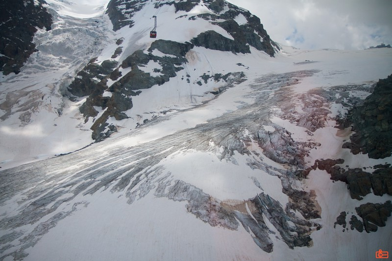 The part of the Breithorn glacier on the left merges with the larger Theodul Glacier on the right.<br /> IMG_9661