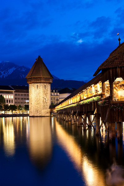 Kapellbrücke (Chapel Bridge), Luzern, Switzerland.