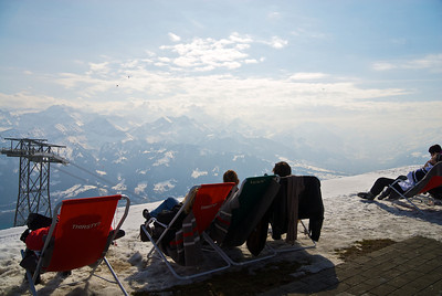 Hanging out on Niederhorn, watching the paragliders.