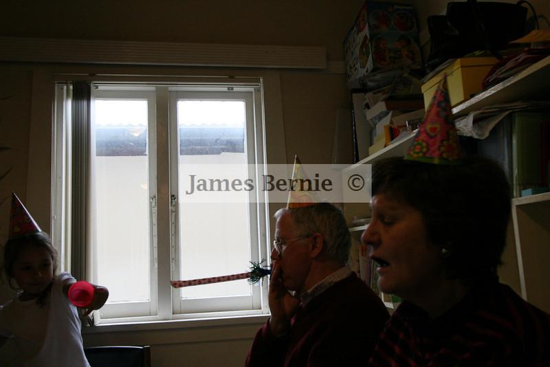 Family Photos, Mum, Dad, Stephanie, Steph John, Theo, Claudette, Claudie, Cassandra, Cassie, James, Nghi, Sydney, NSW, September 2007