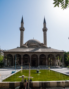 Damascus: Tekkiyeh as-Sulemaniyeh Mosque (by Sinan the architect of the Istanbul mosque)