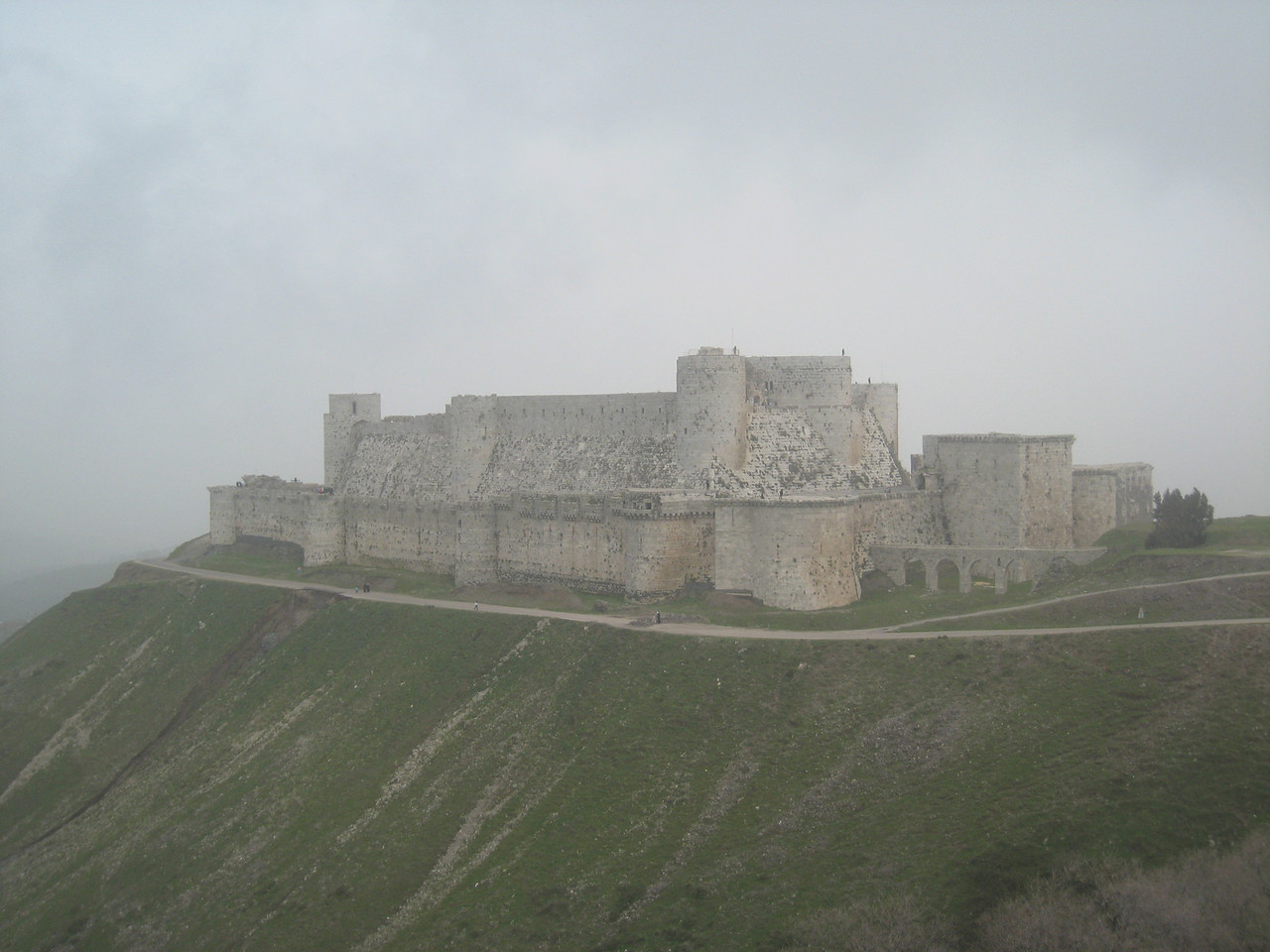 Krac de Chevaliers with the aquaduct on the right.