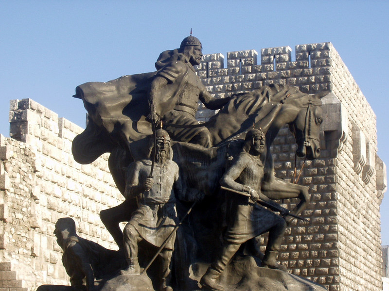 Statue of Saladin at the entrance to the Old City.  One of the great heroes of Arab history, famous as the leader who defeated the Crusaders and conquered Jerusalem in 1187.