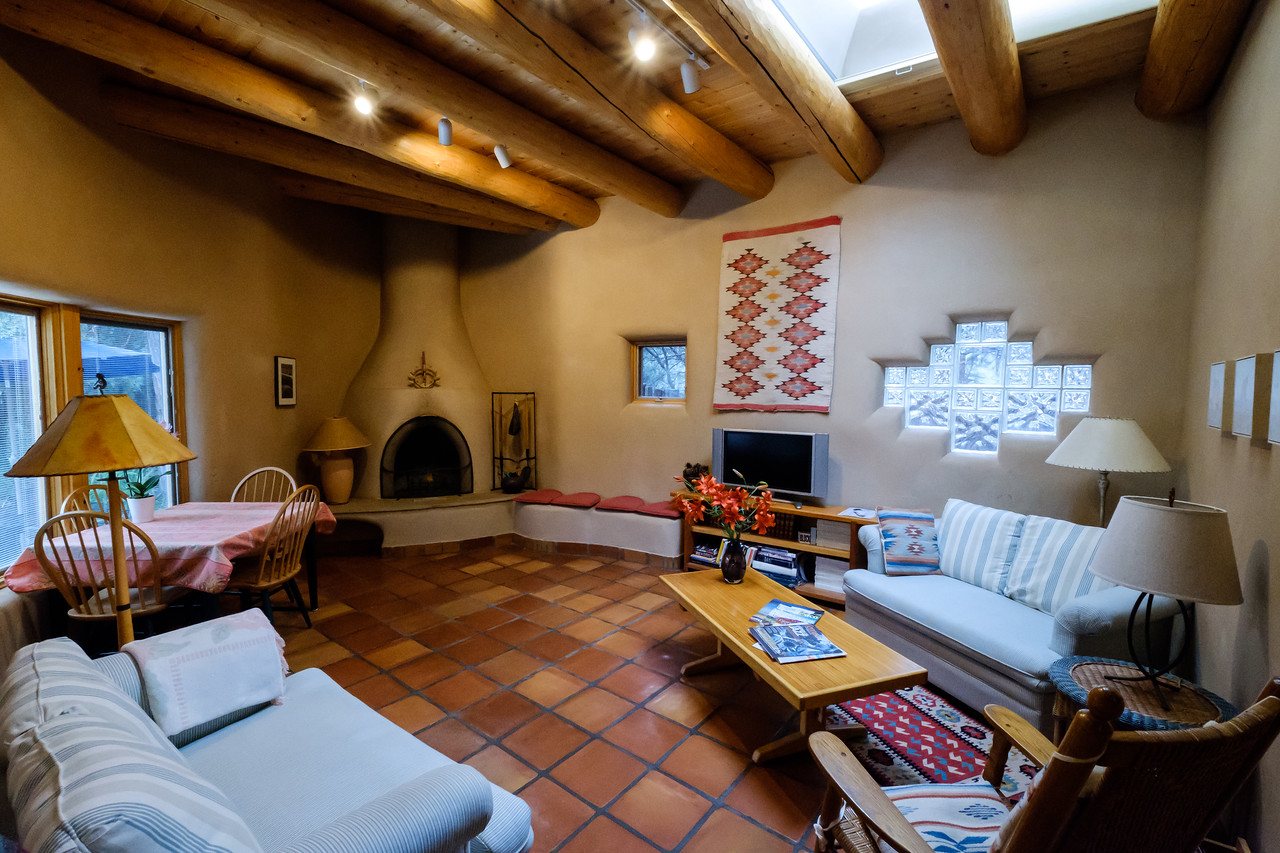 RENTAL HOME IN TAOS CANYON
