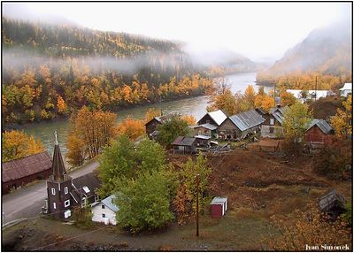 """TELEGRAPH CREEK IN MIST "", a ghost town estabilished during gold rushes by the Stikine river.B.C.,Canada.-----""TELEGRAPH CREEK V MLZNEM OPARU "",mesto duchu zalozene behem zlatych horecek u reky Stikine.B.K.,Kanada."