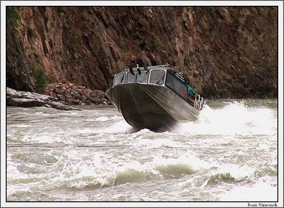 """ONLY FOR THE BRAVE"", Alaska Waters Chutine Warrior fighting one of the three most dangerous waters in North America, Grand Canyon of Stikine, Canada.-----""POUZE PRO ODVAZNE"", Alaska Waters Chutine warrior bojujici s jednou ze tri nejnebezpecnejsich vod Severni Ameriky,Velky kanon Stikine, Kanada."