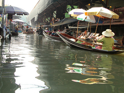 Water village market north of Bangkok.