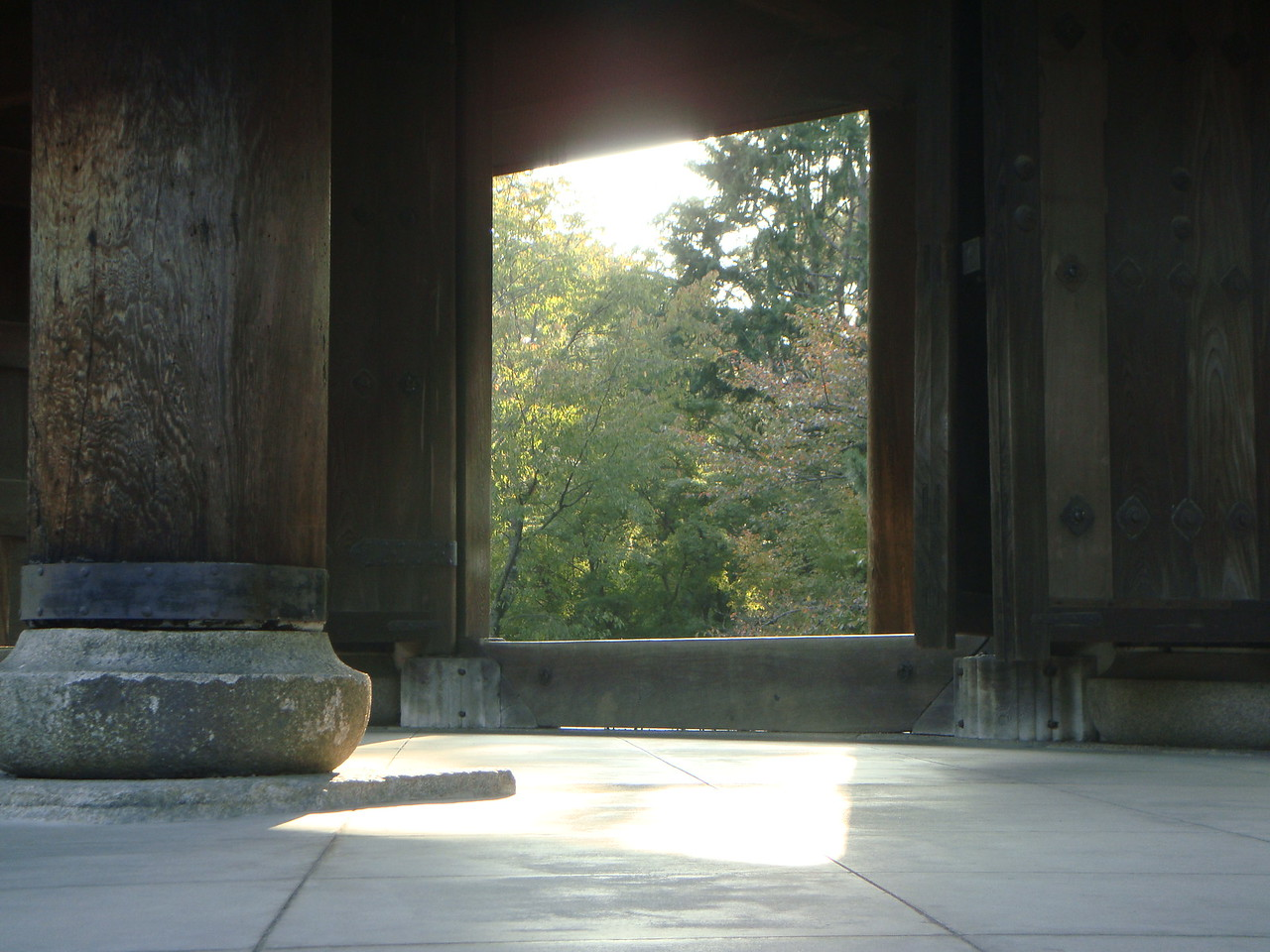 THE GATE TO NANZENJI TEMPLE IN KYOTO