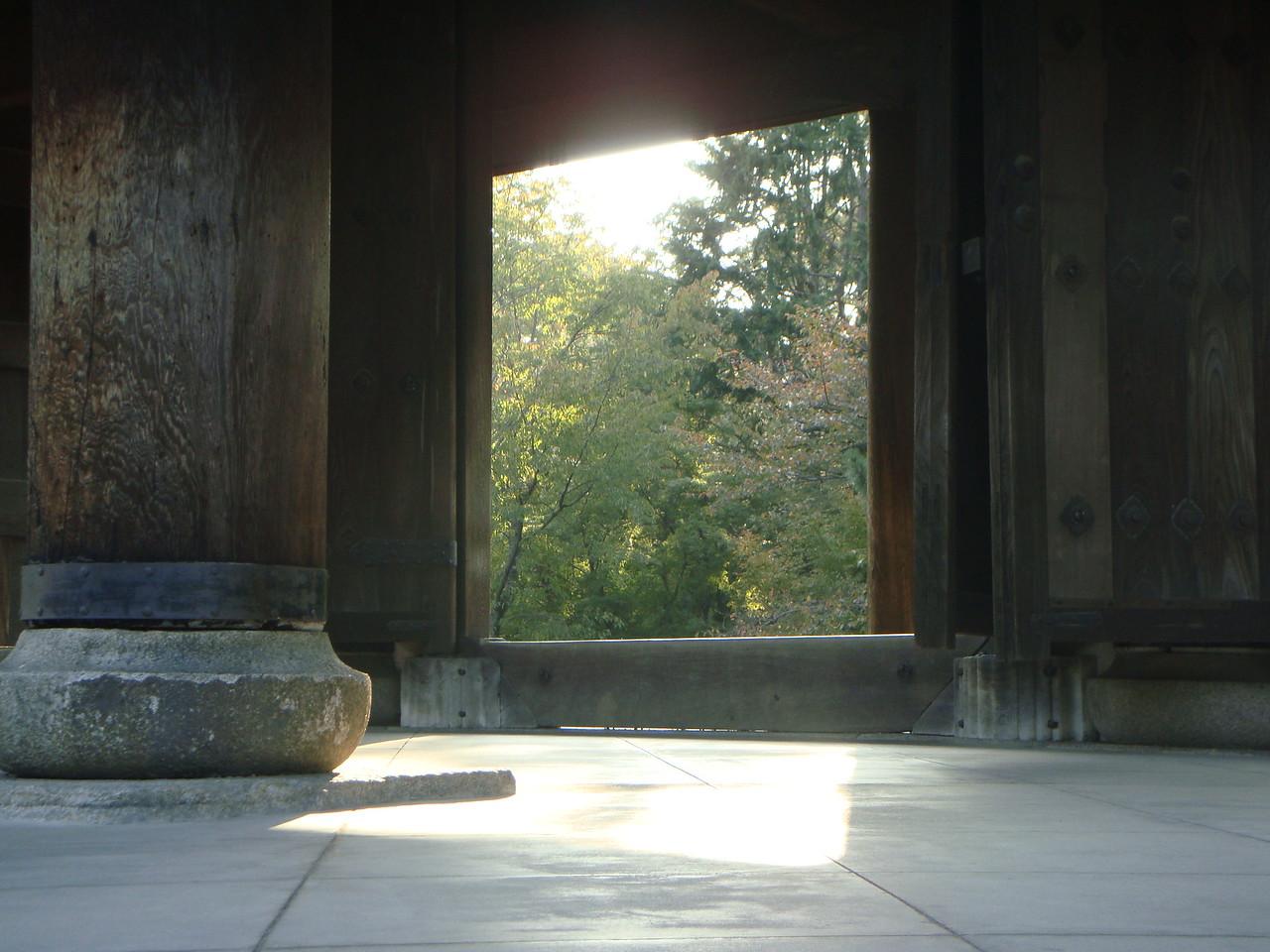 THE GATE TO NANZENJI TEMPLE IN KYOTO