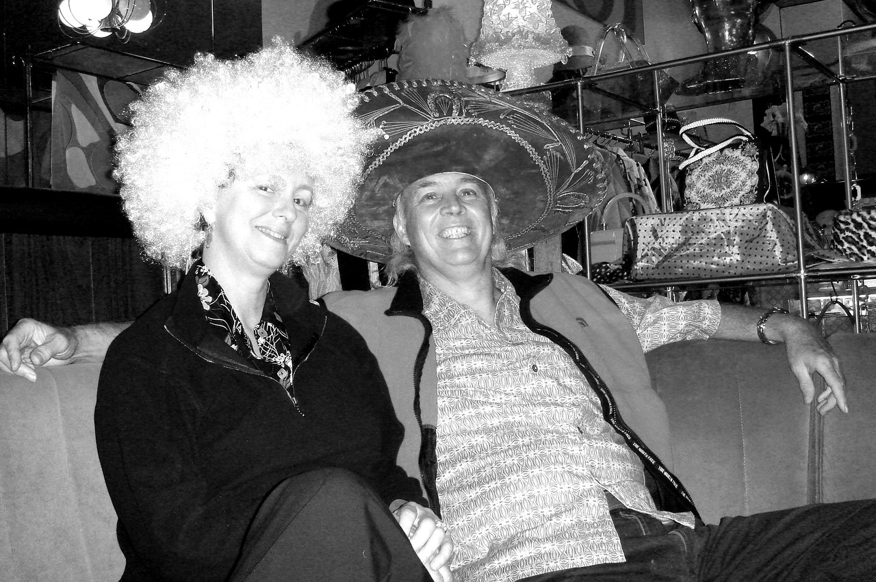 PARTY HATS AND WIGS