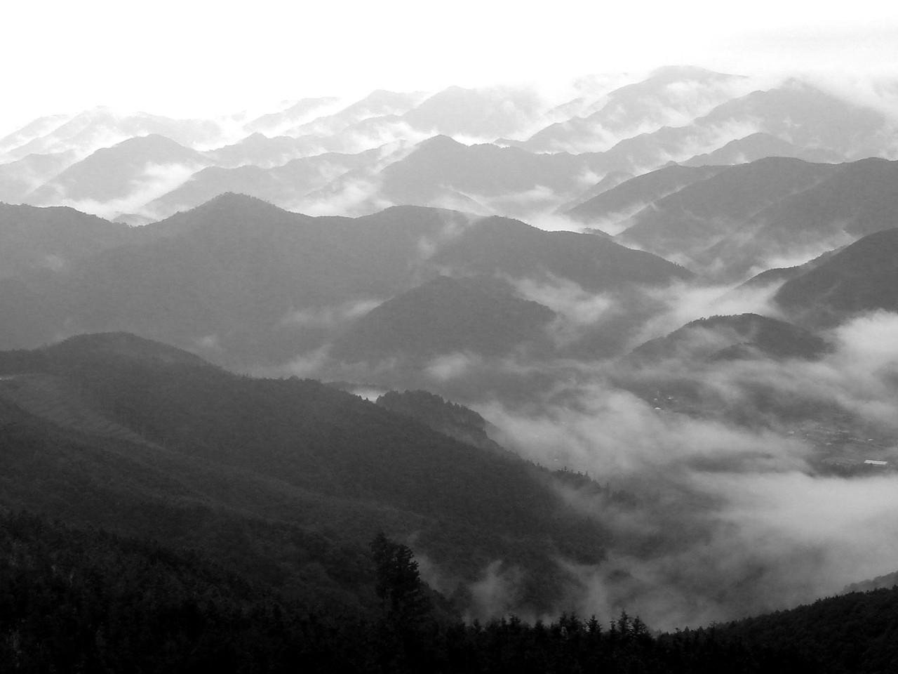 MISTY MOUNTAINS OF KUMANO