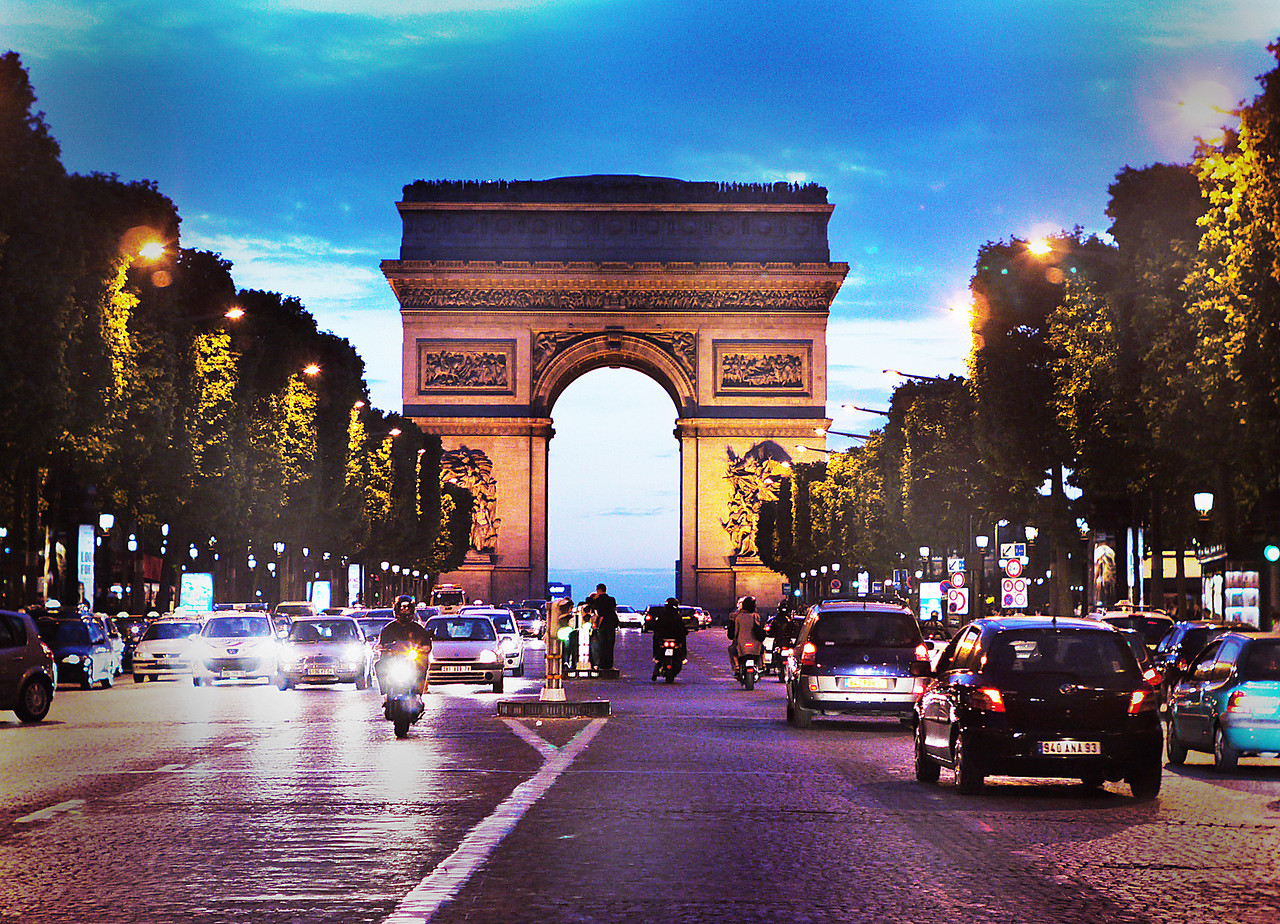 Arc de Triomphe, Paris - G1 Canon 50 mm (100mm efl) 0.95 wide open @ 1/100 ISO 800.