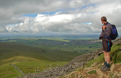 Looking SW from the summit slopes of Pen-y-ghent