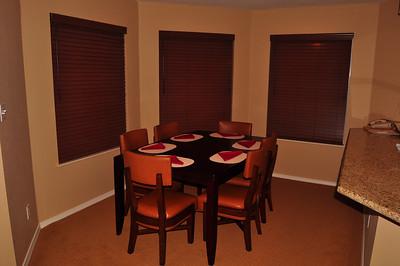Dining area unit 702