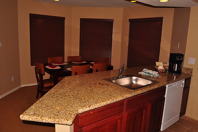 Kitchen and dining area unit 702