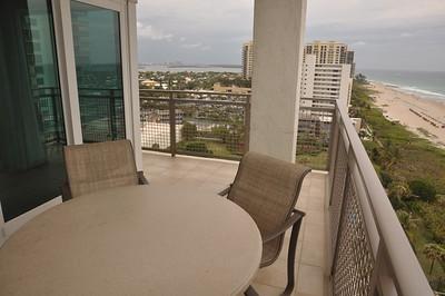 balcony NE corner suite