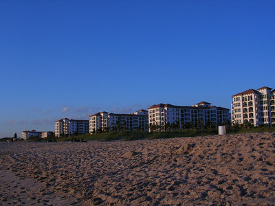 Marriott's Ocean Pointe Pompano building Nov. 2004