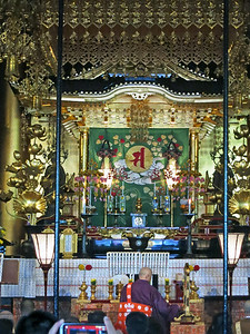 A closer view of  the inner sanctum in Kannondō (Kannon Hall)
