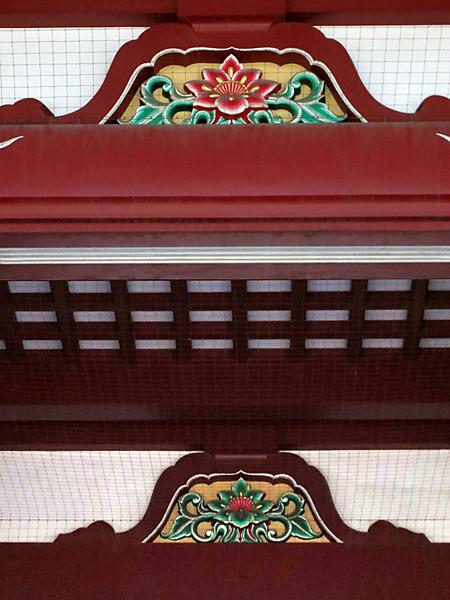 Hōzōmon Gate soffit detail
