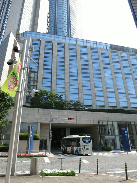 Vehicular entrance to the  Hyatt; Mori Tower behind