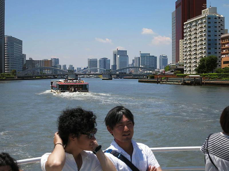 Looking back at KachidokiBashi Bridge (Harumi Dori) 2353