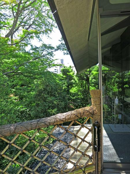 Bamboo fence detail: Nezu Museum, Kengo Kuma, 2009